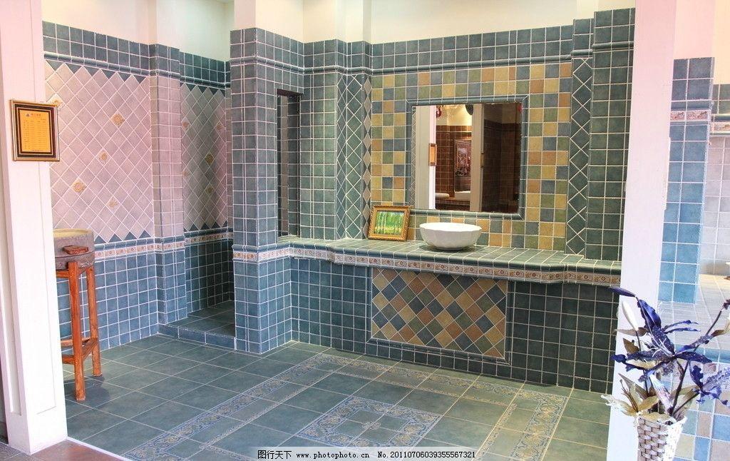 室内效果图图片 室内效果图 瓷砖 树叶 瓷片 墙面 红色 相框 窗户