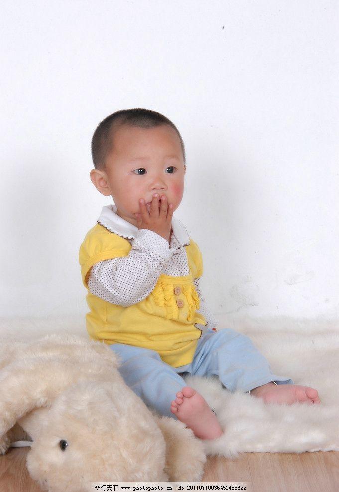 可爱宝贝 小女孩 熊娃娃 儿童幼儿 人物图库 摄影 300dpi jpg