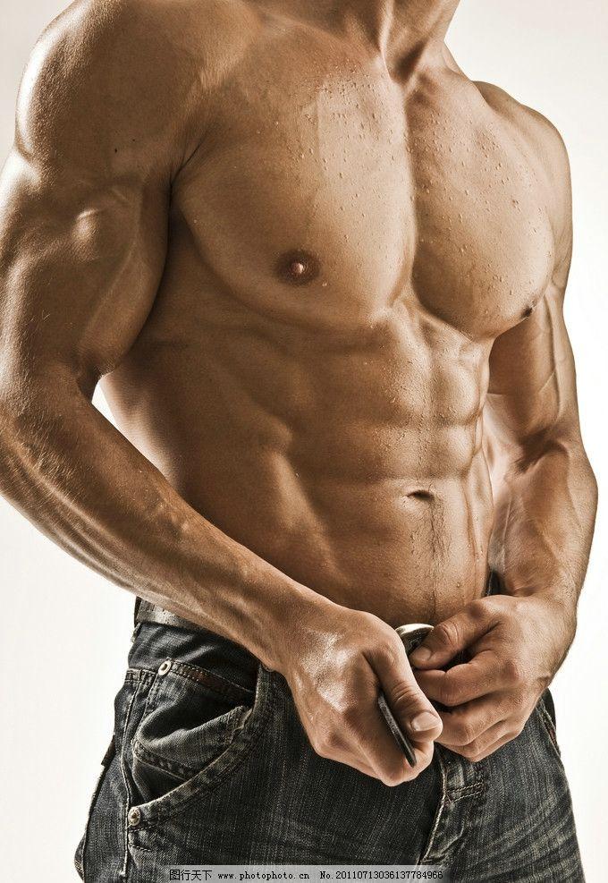 肌肉男生活照片