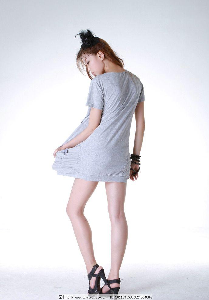 美女 长款t恤 连衣裙图片