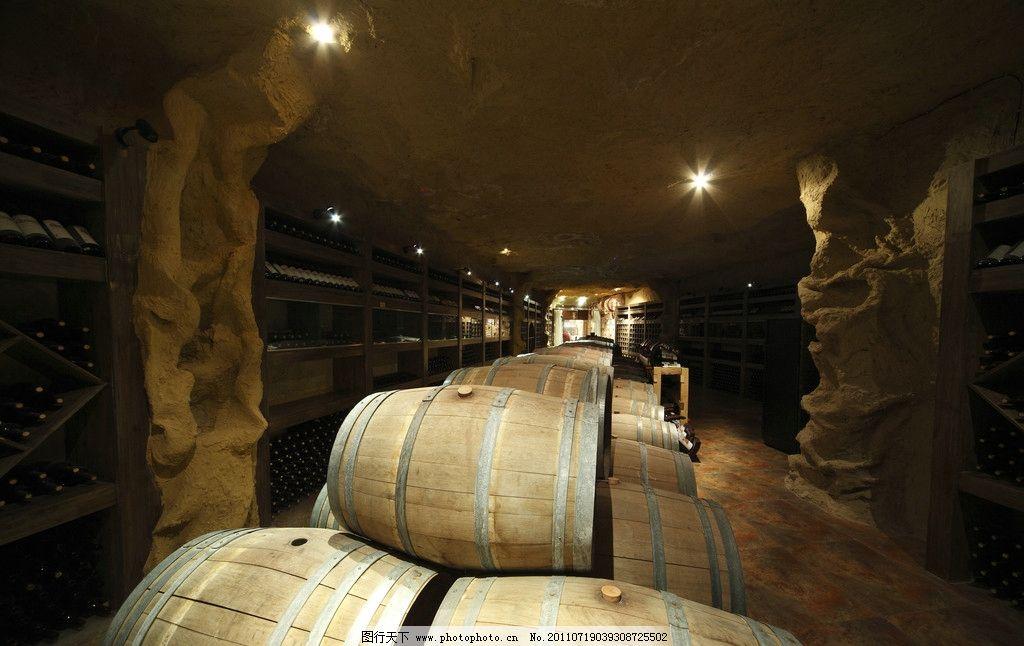 酒窖 橡木桶 红酒 葡萄酒