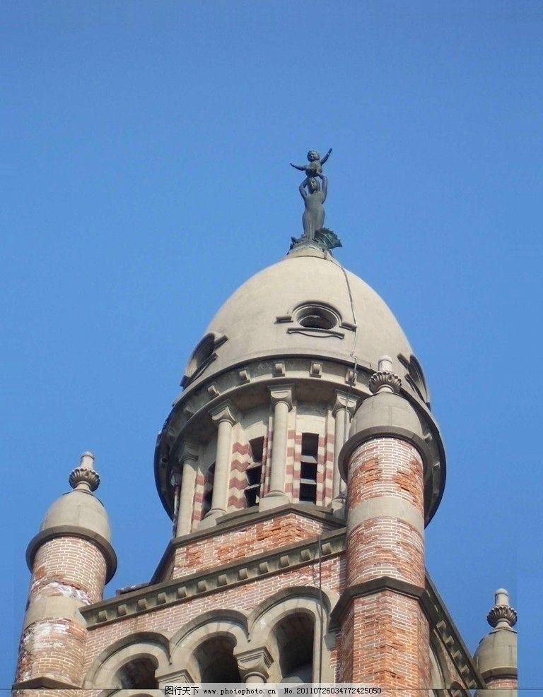 教堂 巴洛克风格 欧式建筑 多尖顶形式 宗教建筑 红砖外墙 拱形顶