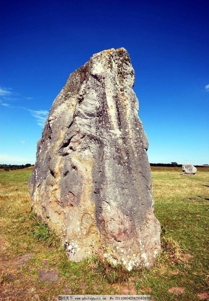 天然大石 天然石 巨石 大石头 石头机理 石纹 草地 石材 人文景观