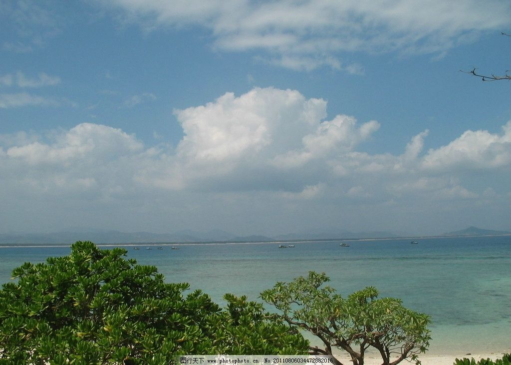 三亚风景 三亚 绿树 蓝天 白云 大海 蓝色 海边 沙滩 山水风景 自然