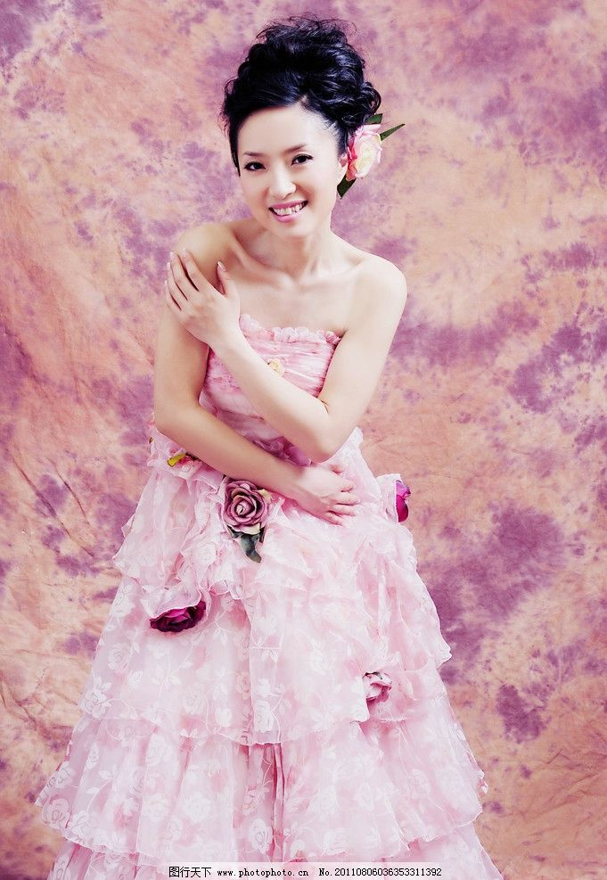 婚纱照 结婚照 艺术照 美女 笑容 婚纱 人物摄影 人物图库 摄影 300dp