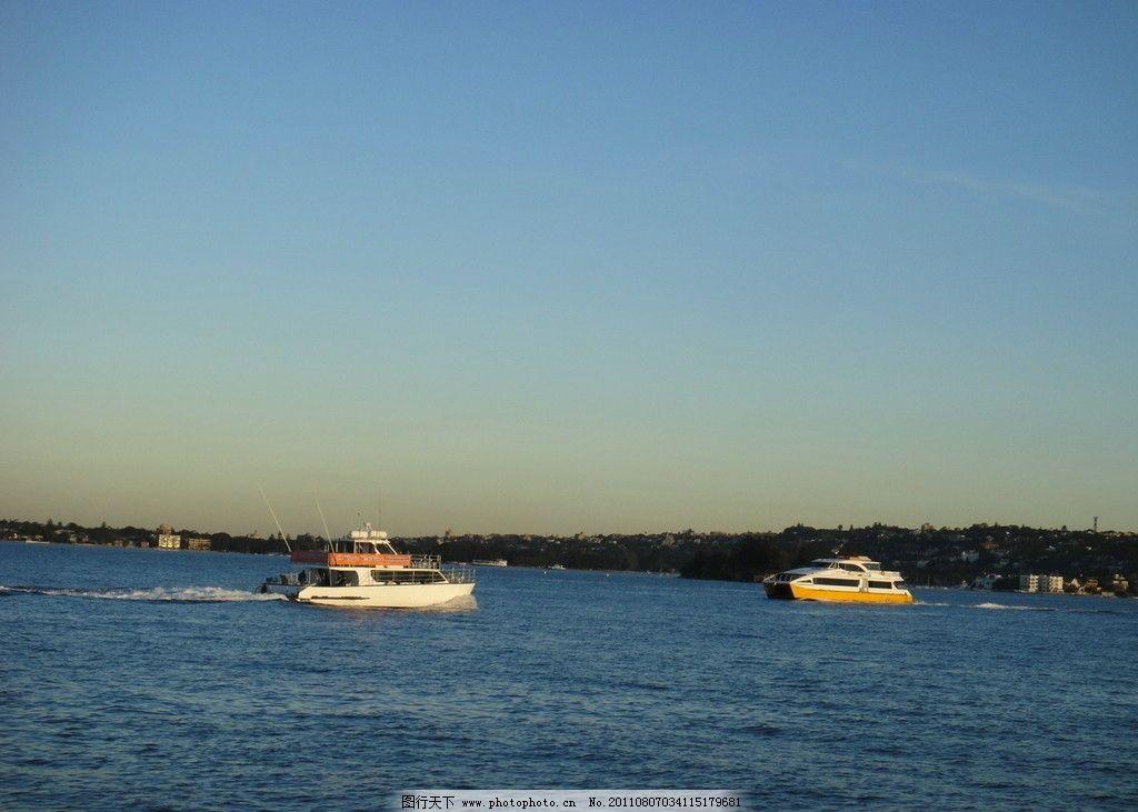 汽艇 大海 海水 小艇 小船 海湾 蓝天 碧海 旅游摄影 摄影图库