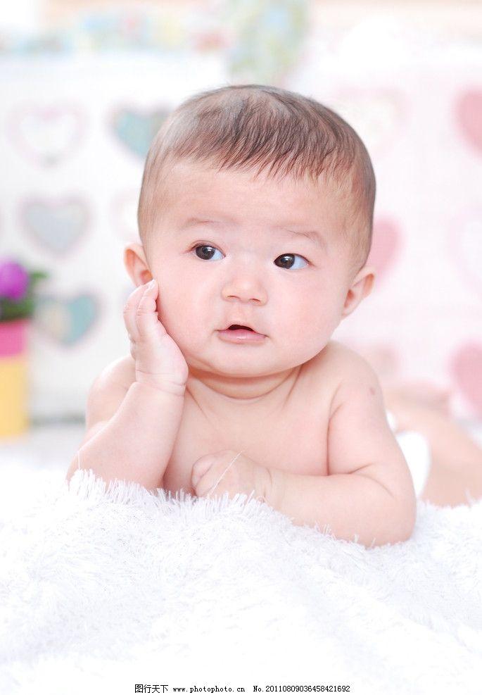 可爱宝宝满月照图片