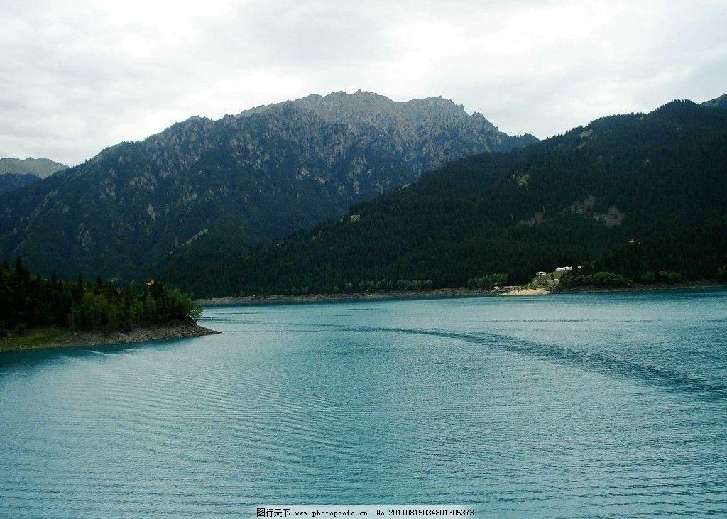 天山天池 新疆 乌鲁木齐 天池 瑶池 天山 湖水 山水风景 自然景观