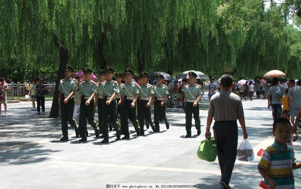 军人摄影 军人 方队 执勤士兵 游客 有人 自然风景 自然景观 摄影 300
