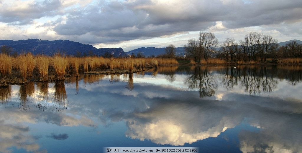 水中天 湖泊 山脉 蓝天 白云 倒影 芦苇 树林 山水有情 山水风景 自然