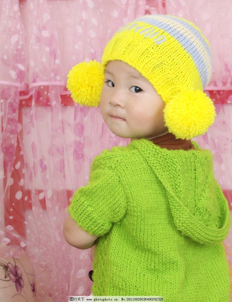 可爱宝宝 可爱 宝宝 绿衣服 黄帽子 儿童幼儿 人物图库 摄影 72dpi