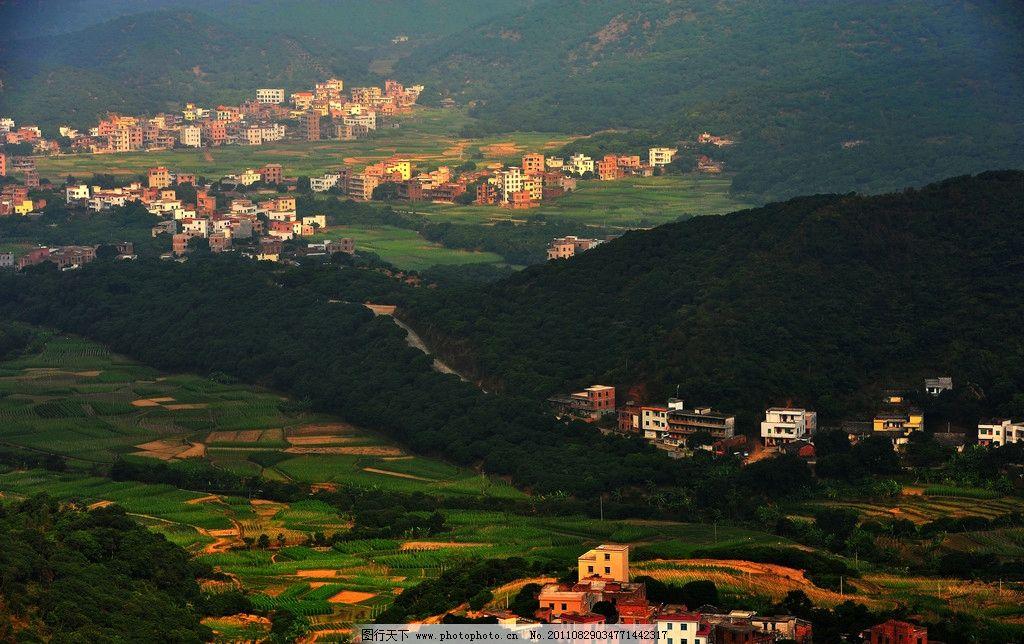 家园 群山 乡村 房屋 田园风光 山水风景 自然景观 摄影 300dpi jpg