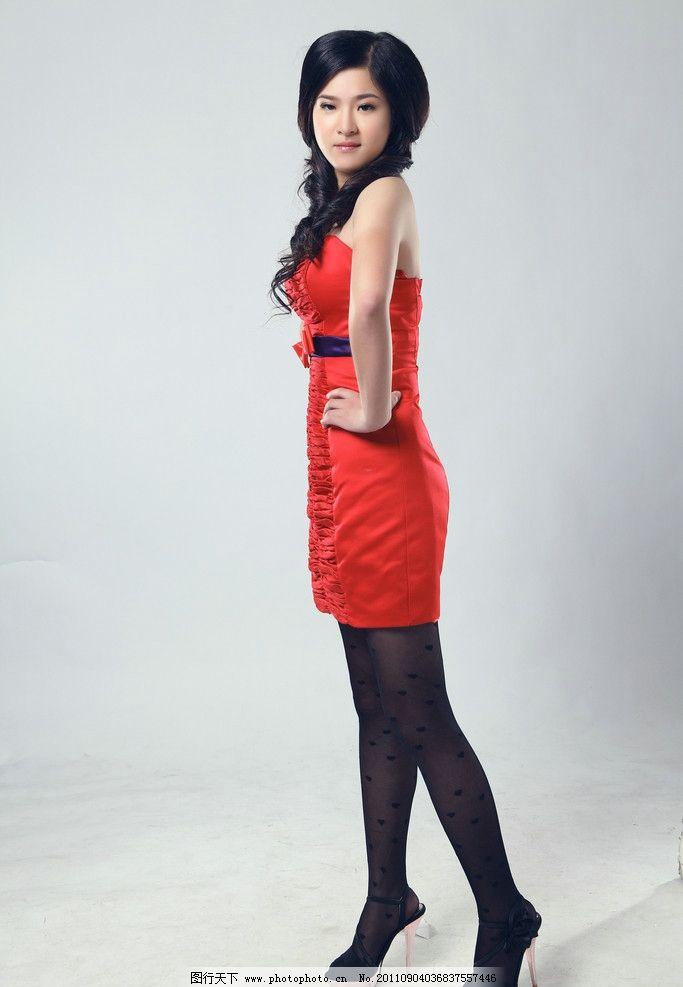 可爱美女 美女 可爱 丝袜 红色裙子 黑色丝袜 女性女人 人物图库 摄影