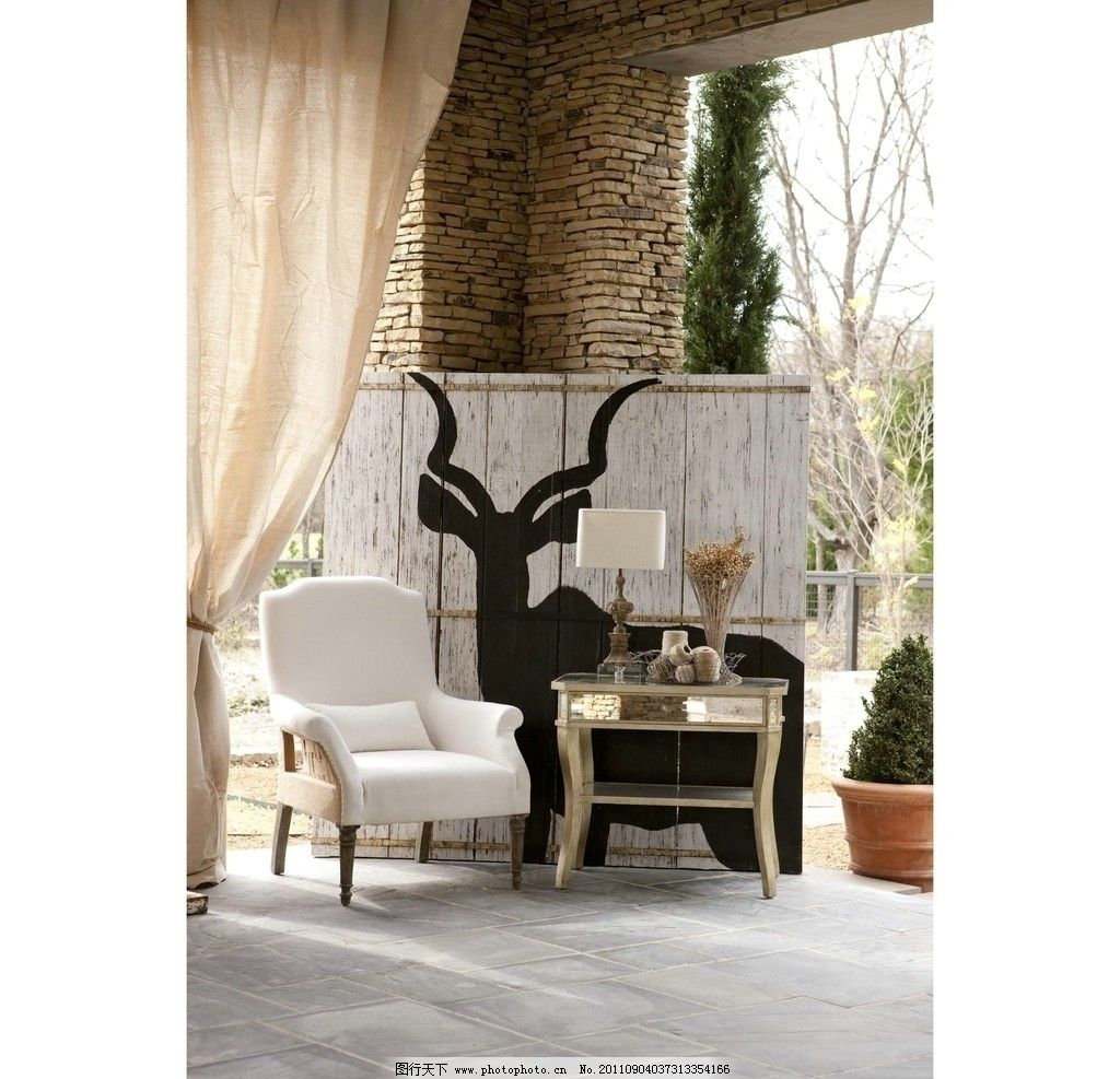 欧式家具 欧式沙发 桌子 台灯 花盘 柱子 家居生活 生活百科 摄影 72d