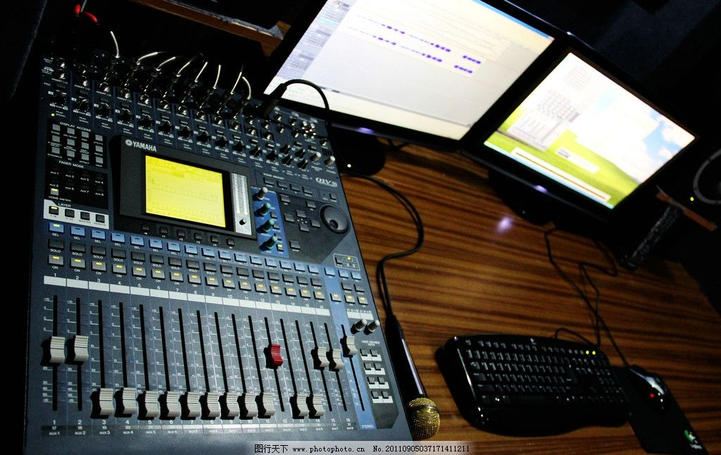 音响控制设备图片