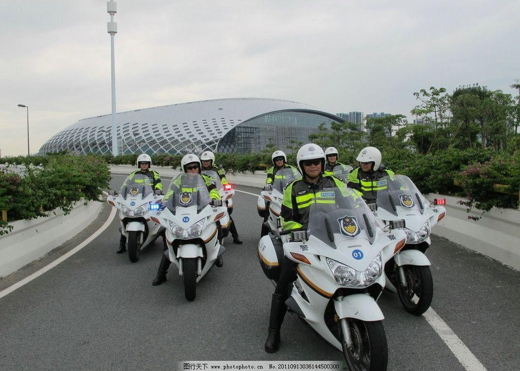 迎宾车队 交警 宝马摩托 摩托车 警察 帅哥 蚕茧 职业人物 人物图库