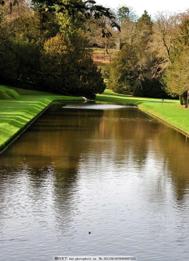 花园水池 草地 树 公园水池 水面 欧式花园 建筑摄影 建筑园林