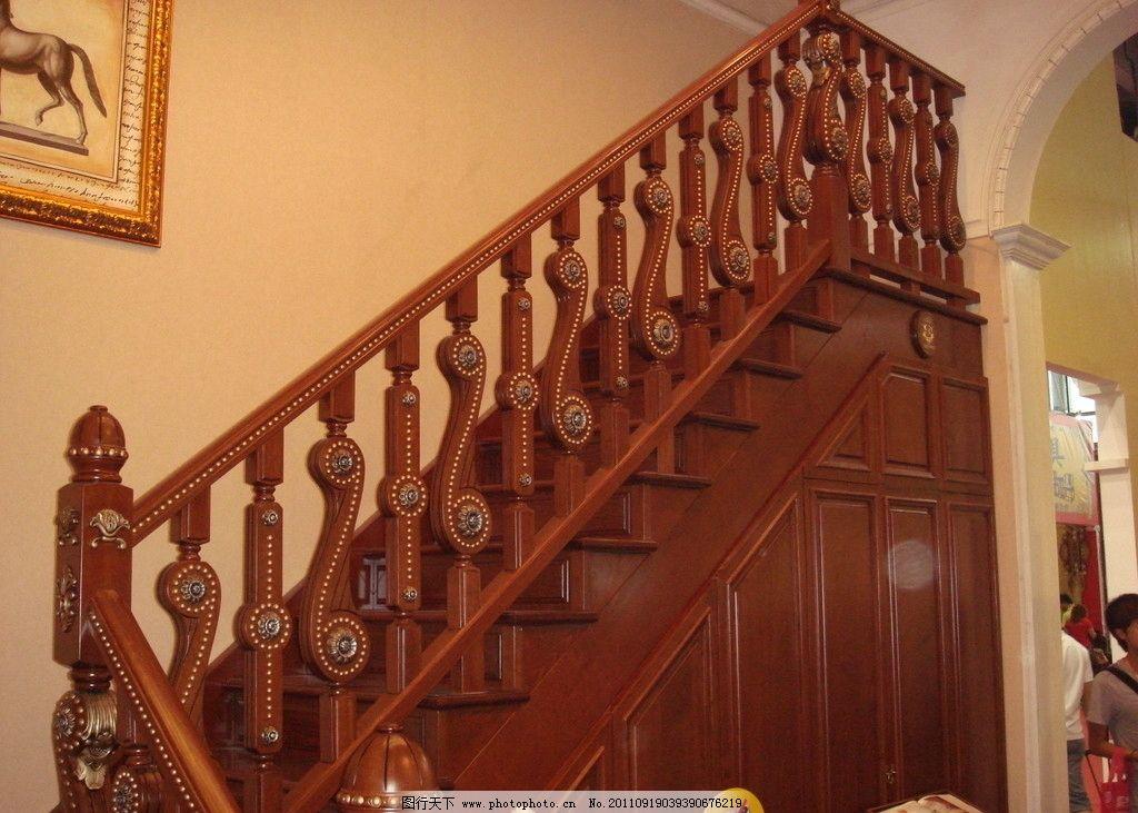欧式木楼梯图片