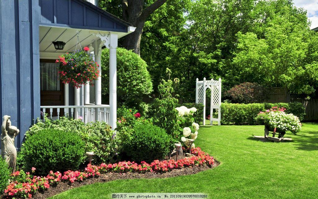 后花园 后院 别墅后院 园林 花卉 花草 草地 园林建筑 建筑园林