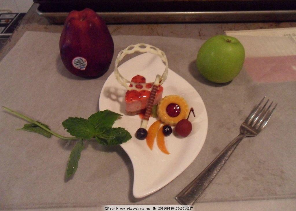慕斯/树莓慕斯图片