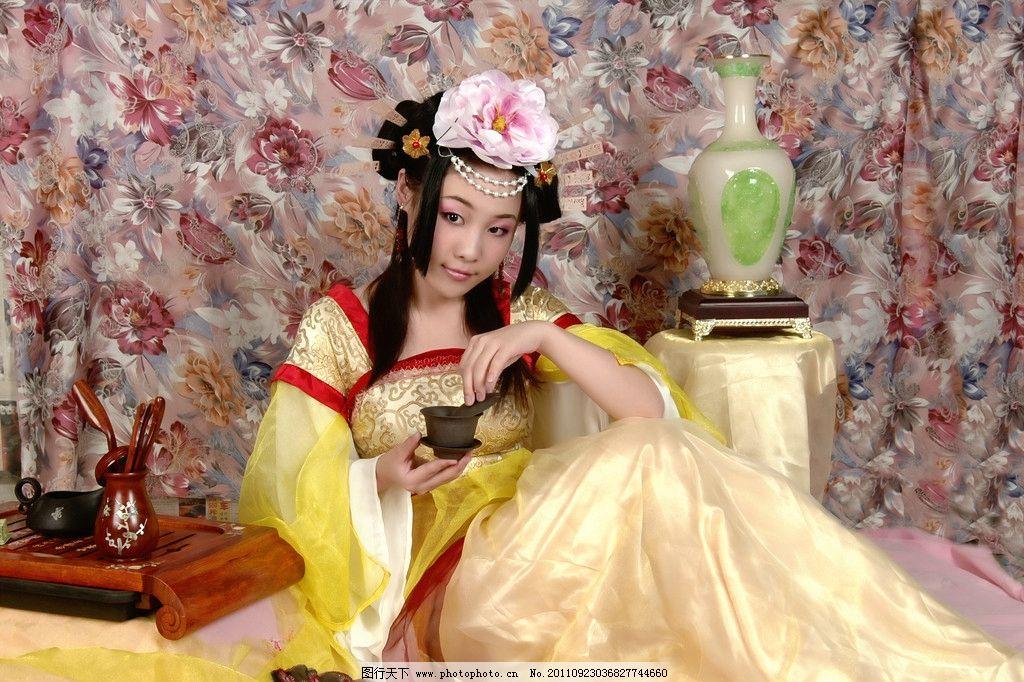 唐朝古装美女图片