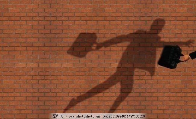 墙壁 背景 广告设计 黄色 男人 跑步 皮包 其他 人物 商务